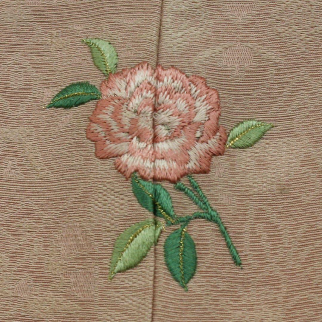 【(M-3)一輪のバラ】 お洒落紋 着物 華紋 刺繍 加賀紋
