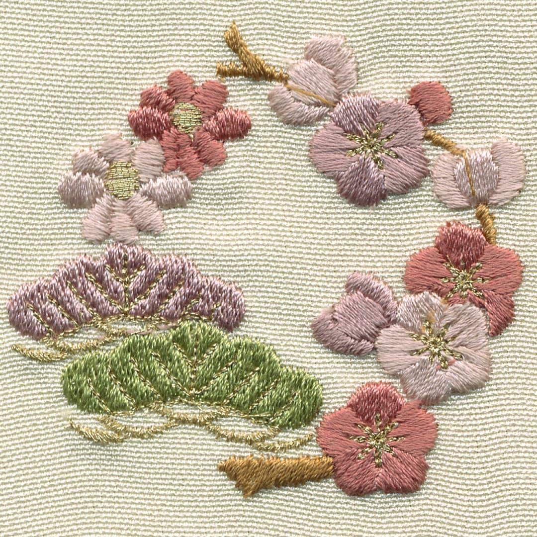 【菊と松と梅】 お洒落紋 着物 華紋 刺繍 加賀紋