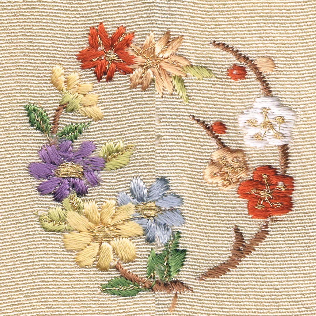 【菊と梅】 お洒落紋 着物 華紋 刺繍 加賀紋