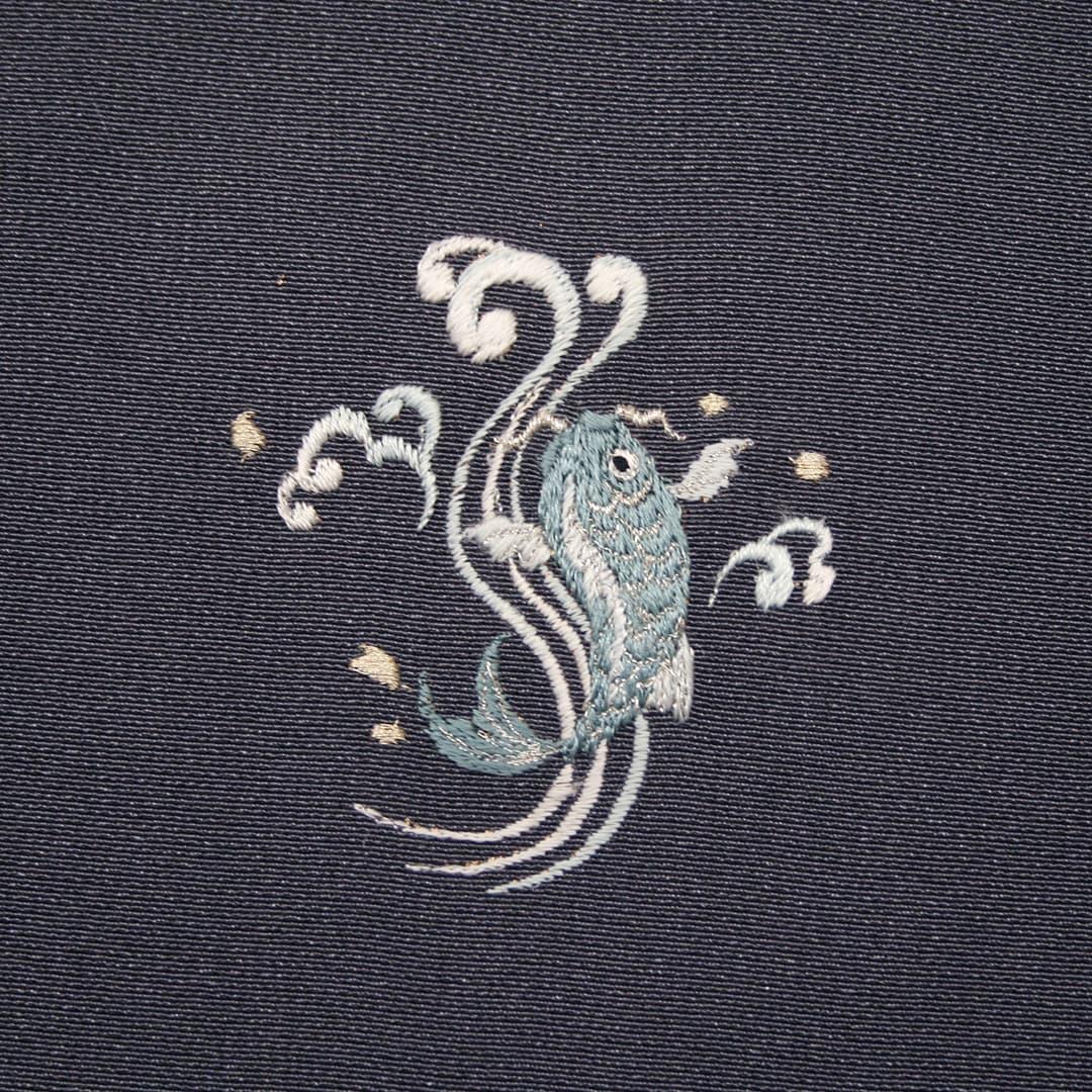 【鯉の滝登り】 お洒落紋 着物 華紋 刺繍 加賀紋