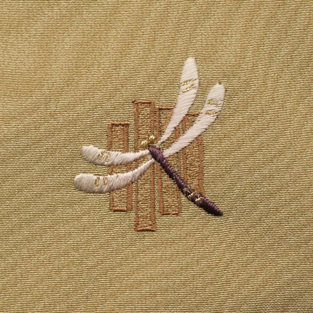 【(M-6)トンボ】 お洒落紋 着物 華紋 刺繍 加賀紋